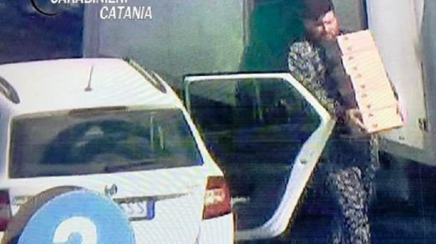 furto, Porte di Catania, rapina, Catania, Cronaca