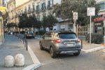 Il Corso di Caltanissetta chiuso per lavori, basole rotte e disconnesse