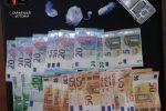 Vittoria, sorpreso con droga e soldi: arrestato 45enne albanese