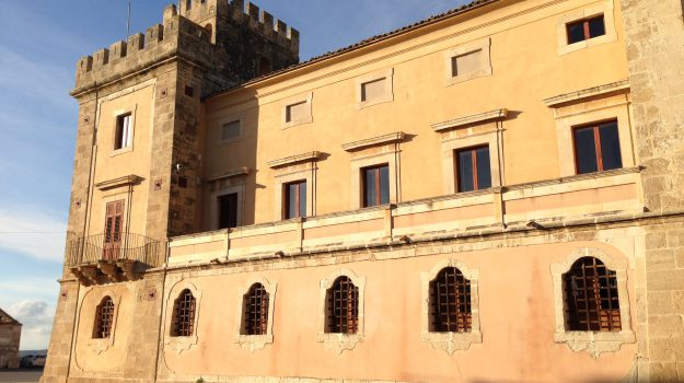 Acate, beni culturali, Castello dei principi Biscari, Ragusa, Cultura