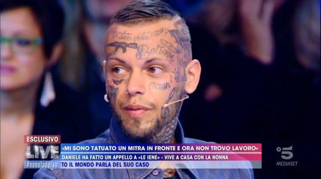 LAVORO, mitra, tatuaggio, Daniele Di Bella, Sicilia, Società