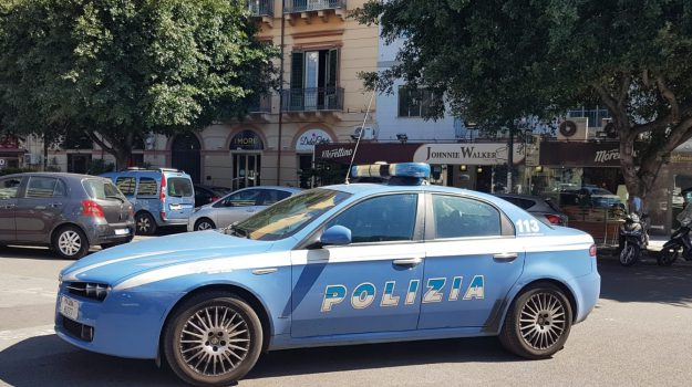 bar, furto, piazza Don Bosco, Palermo, Cronaca