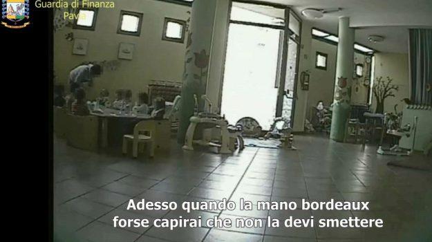 asilo, maltrattamenti bimbi, Varzi, Sicilia, Cronaca