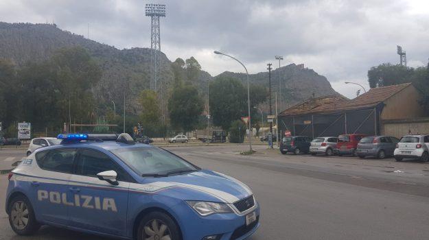 polizia, rapinatore arrestato, viale del fante, Palermo, Cronaca