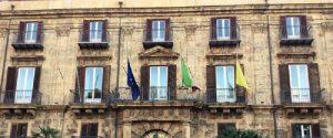 Palazzo d'Orleans bandiere a mezz'asta per la morte dell'assessore Sebastiano Tusa