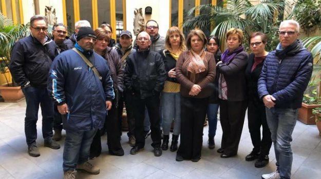 precari, protesta, teatro bellini, Catania, Economia