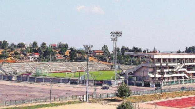 erba sintetica, gara, stadio Tomaselli, Caltanissetta, Cronaca