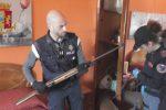 Conserva un'arma rubata all'interno di un frigo nella sua azienda agricola a Vittoria: arrestato