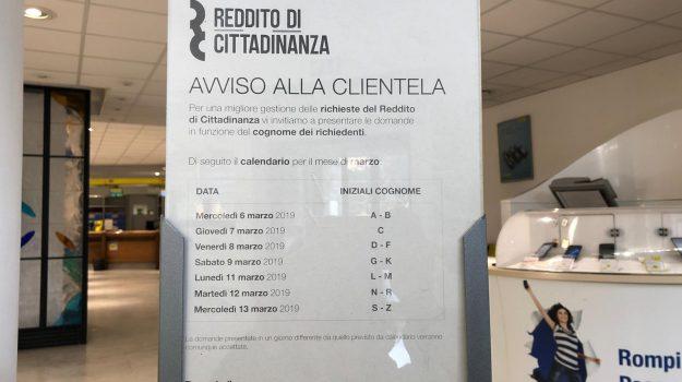 caf, poste, reddito di cittadinanza, Luigi Di Maio, Palermo, Cronaca