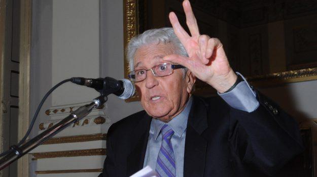 morto Pino Caruso, teatro, Pino Caruso, Palermo, Cultura