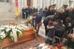 """Donna uccisa a Messina, è il giorno dei funerali. Il parroco: """"Incapaci di dare risposte"""""""