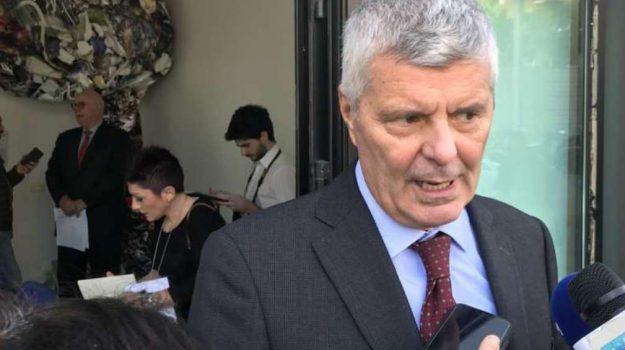 m5s, partito democratico, regione siciliana, rifiuti, Alberto Pierobon, Sicilia, Politica