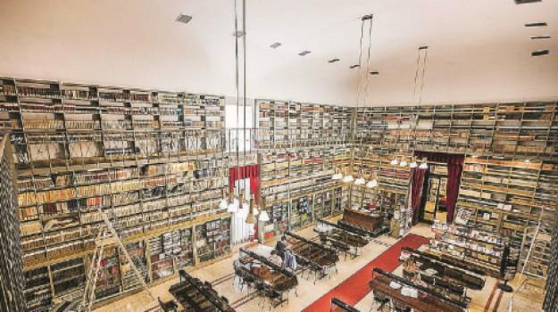 biblioteca fardelliana, precari, stabilizzazioni, Trapani, Economia