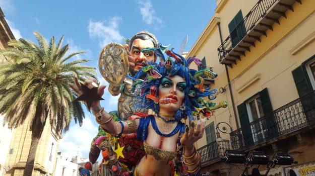 acireale, carnevale, Sciacca, Sicilia, Cultura