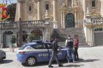 Bullo estorsore semina terrore a Ragusa, arrestato 17enne