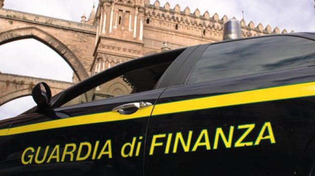 favoreggiamento immigrazione clandestina, frode fiscale, migranti, Palermo, Cronaca