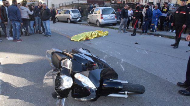 incidente stradale, motociclista travolto, Villaggio Aldisio, Messina, Cronaca