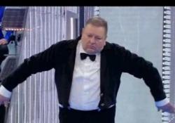La Corrida, il pubblico impazzisce per il «rumorista» che fa la moka e l'orologio a cucu  Ovazione per Massimo Gasparini, 58 anni, fornaio - LaPresse