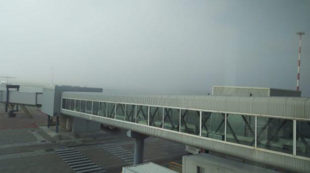 Aeroporto, falcone borsellino, nebbia, Palermo, Cronaca