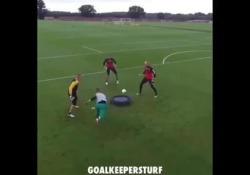 Norwich, l'allenamento dei portieri copiato dal ping pong Il curioso allenamento della squadra di seconda divisione inglese - Dalla Rete