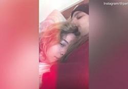 Paris Jackson live su Instagram con il fidanzato per smentire le voci del tentato suicidio Sui social scrive: «Sono tutte bugie e niente altro che bugie»  - Corriere Tv