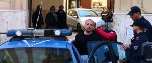 Pietro Seggio all'uscita dalla squadra mobile di Palermo
