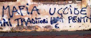 """Scritta """"pro mafia"""" a San Pietro Clarenza, denunciati tre minori"""