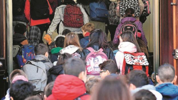 Libero Consorzio Comunale di Trapani, scuola, Trapani, Economia