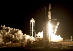 SpaceX lancia nello spazio la Crew Dragon con un manichino ispirato ad Alien La capsula è diretta alla Stazione Spaziale Internazionale - LaPresse