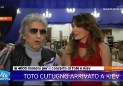 Toto Cutugno: «Il concerto di Kiev si farà. Abbiamo già venduto 4mila biglietti» Dopo la lettera che chiede l'inserimento del cantante nella lista nera dei filocomunisti non graditi nel Paese - Corriere Tv