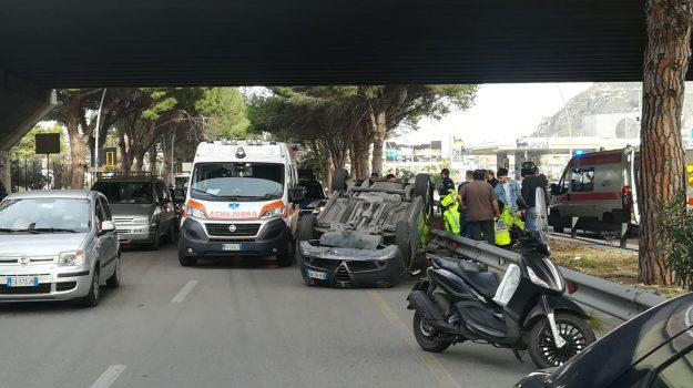 incidente, Palermo, viale regione siciliana, Palermo, Cronaca