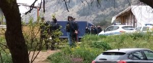 Palermo, nomadi sgomberati appiccano fuoco ai rifiuti: le proteste dei residenti