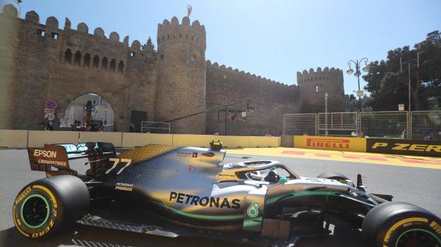 Baku, Ferrari, Lewis Hamilton, Sebastian Vettel, Sicilia, Sport
