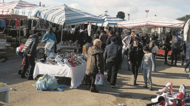 abusivismo, caltanissetta, mercatino, Caltanissetta, Cronaca