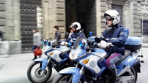 parcheggiatori abusivi, polizia, Palermo, Cronaca