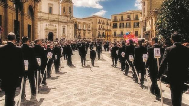 real maestranza, Settimana santa, sfilata, Caltanissetta, Cultura