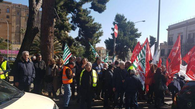 ex province, Sicilia, sindacati, Sicilia, Economia