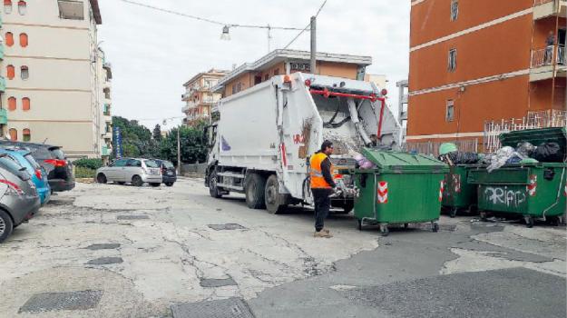 rifiuti, Francesco Italia, Siracusa, Economia