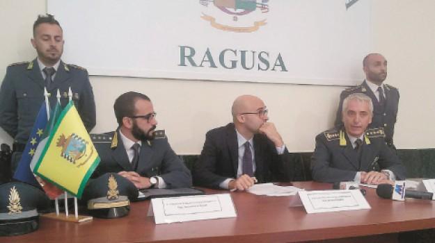 truffa, Emanuele Cappello, Giacomo Gianì, Michelangelo Peligra, Ragusa, Cronaca