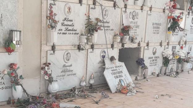 Cimitero di Siracusa, contrada Fusco, vandalismo, Siracusa, Cronaca
