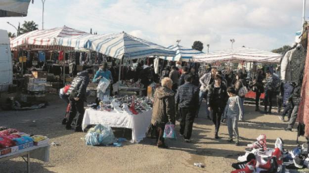 ambulanti, mercatino, pian del lago, Caltanissetta, Cronaca