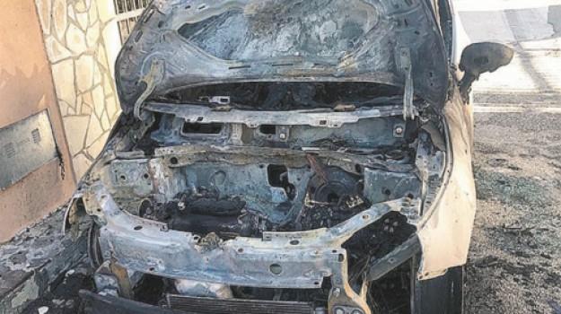 auto in fiamme, incendio, Dario Abela, Siracusa, Cronaca