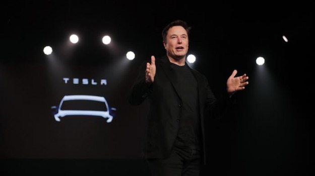 Elon Musk, Jeff Bezos, Sicilia, Economia