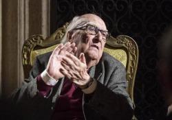 Camilleri: «Il mio nuovo romanzo senza Montalbano» «Leggere un giallo per me, un esercizio di messa in moto dell'intelligenza»  - Corriere Tv