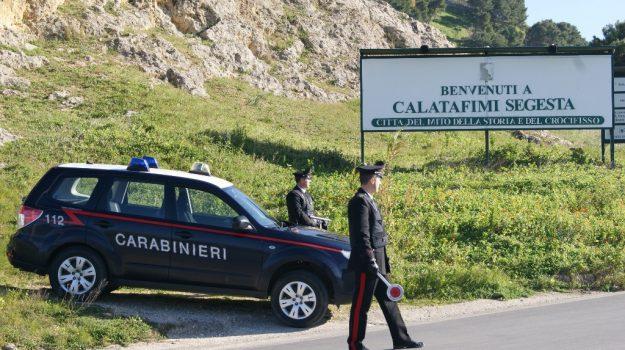 aggressione, carabinieri, segesta, Trapani, Cronaca