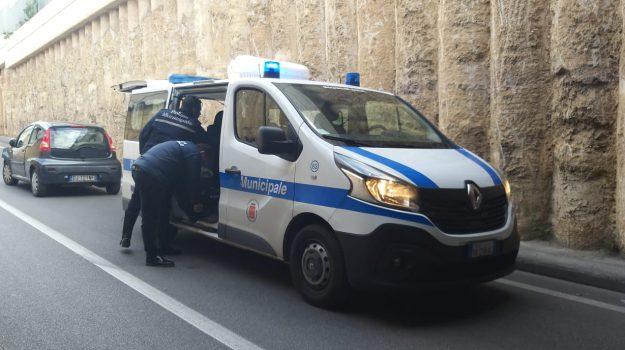 auto pirata, in via dei Cantieri, incidente, via del Limone, via Mariano stabile, Palermo, Cronaca