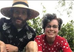 Jovanotti, 20 anni di «Per te»: la dedica social alla figlia Teresa La canzone   è uno dei  suoi brani di maggior successo  - Corriere Tv