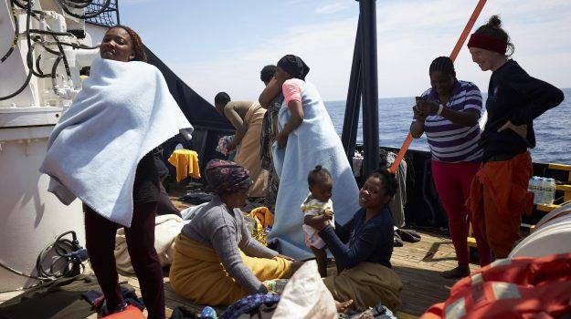 migranti, nave sea eye, Viminale, Sicilia, Cronaca