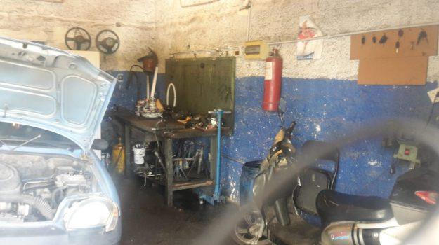 abusivismo, officine, via Parlavecchio, Palermo, Cronaca