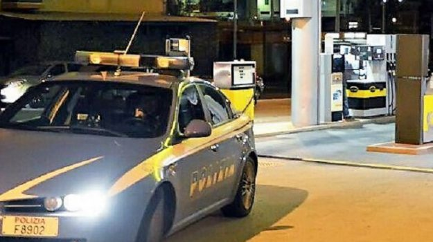 distributore carburante, polizia, rapina, Palermo, Cronaca